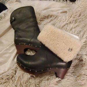 NWOT---UGG Lynnea clog boots